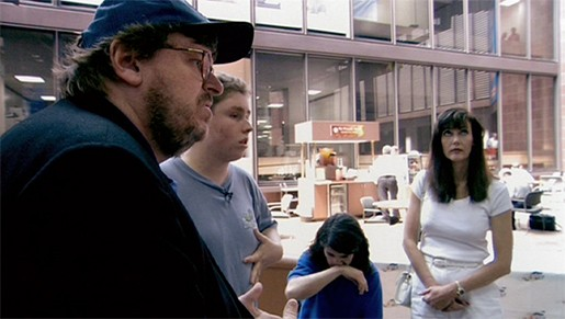 Best_MichaelMoore_BowlingColumbine515_Cinelation